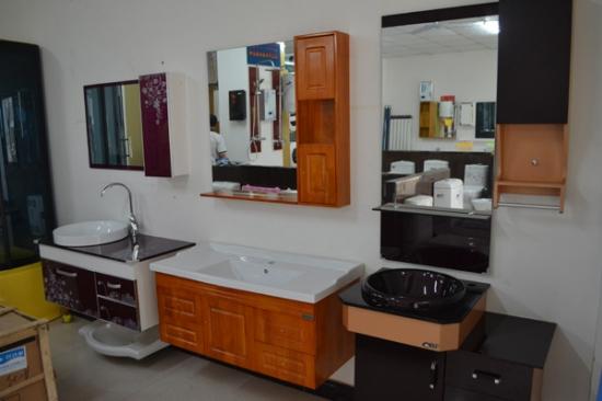 卫生间淋浴房尺度 卫生间装修效果图