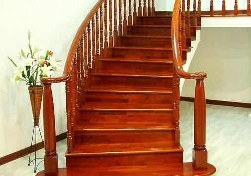 楼梯栏杆扶手的高度规范是什么