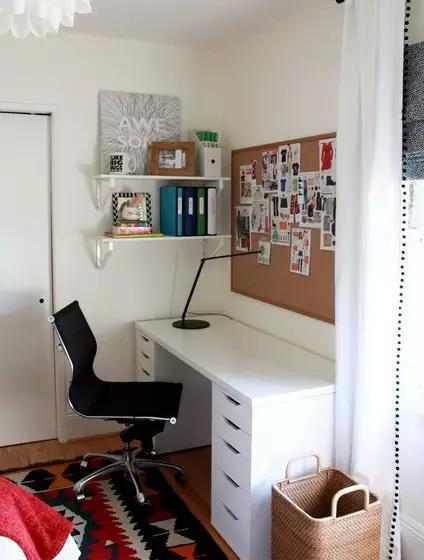 没有单独的书房?一套家具帮你挤出空间