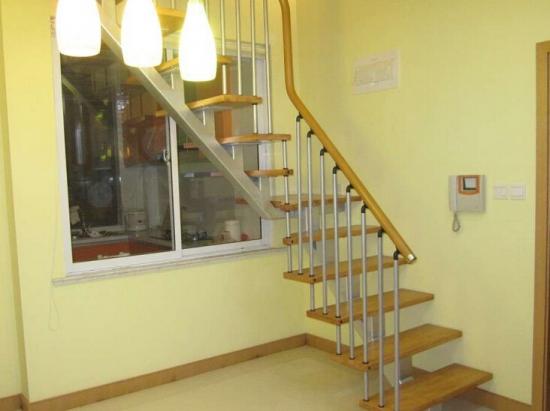 别墅阁楼楼梯装置经验谈