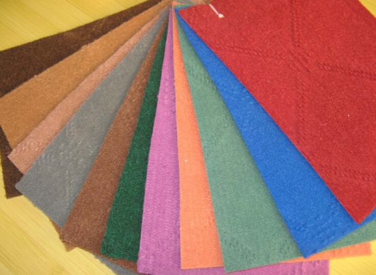 清洗化纤地毯的小方法