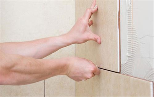 瓷砖空鼓脱落的原因及解决方案   超级实用哦!