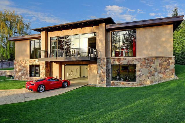 亿元豪宅虽只有两间卧房,但可停放16辆超跑!