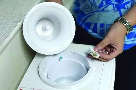 饮水机竟然这么脏!这个清洗方法很管用...