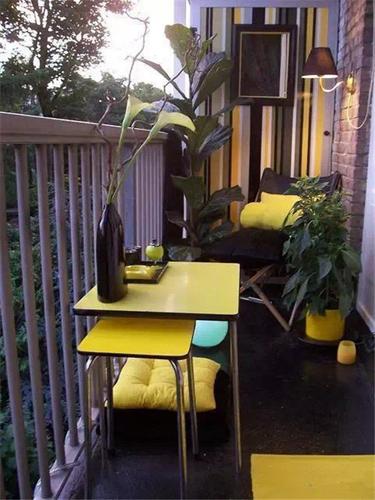 亲吻风和日丽 2平米迷你阳台设计