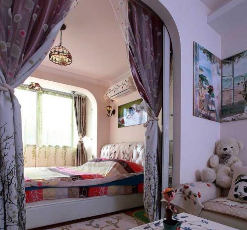 客厅卧室隔断效果图 让你的卧室一房两用高清图片