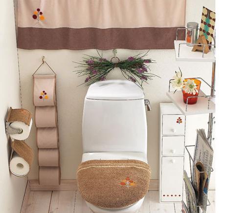入户门对着卫生间收纳家具