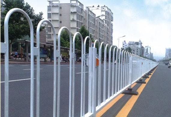 交通护栏的作用是什么呢?