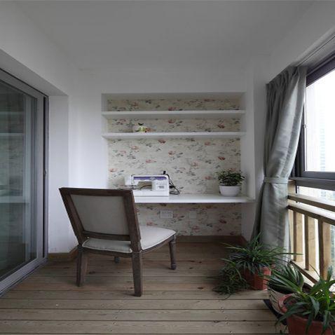 通过阳台窗帘装修效果图来装饰窗帘