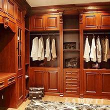 优雅大方的衣柜罗马柱效果图