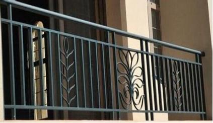 从铁艺栏杆图片中看挑选技巧