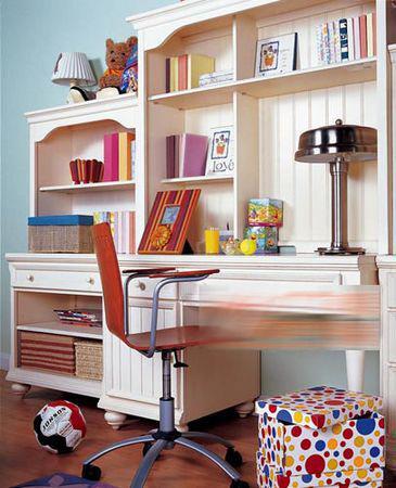 儿童房异门书柜书桌效果图