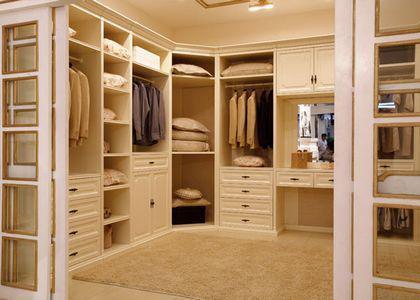 从卧室整体衣柜效果图中欣赏衣柜