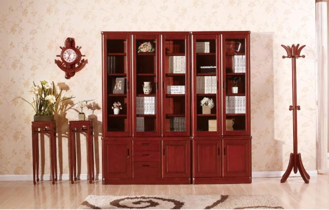 各式各样的实木书柜