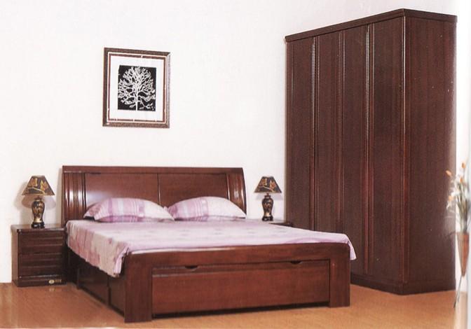 高贵典雅的实木卧室家具