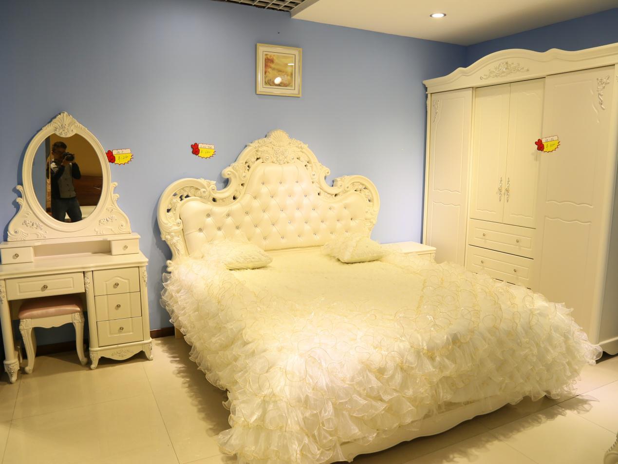 卧室装修细节:豪华公主卧室