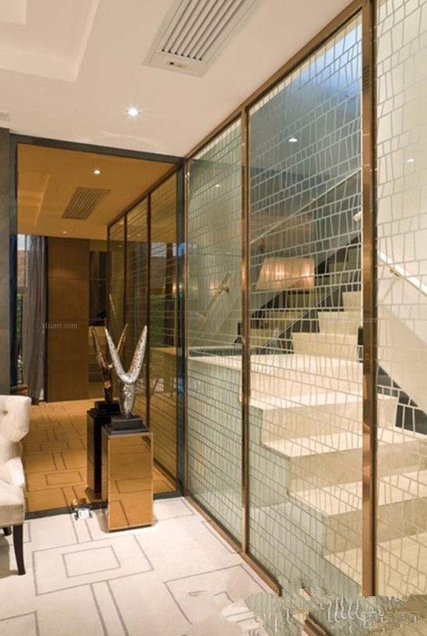 客厅里面如何装修玻璃隔断