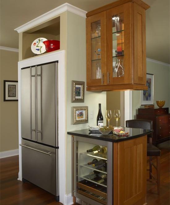 时尚实用的酒柜隔断 独特美丽优点多