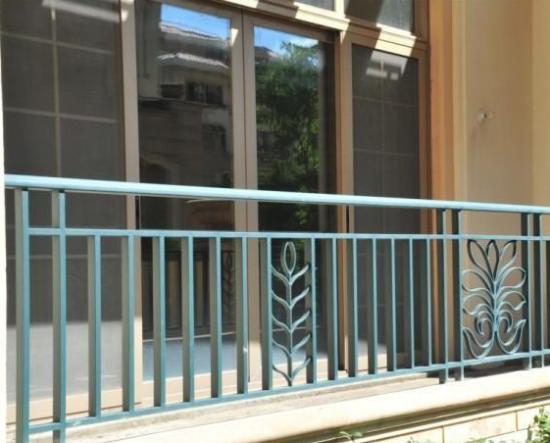锌钢阳台护栏,为你的安全保驾护航
