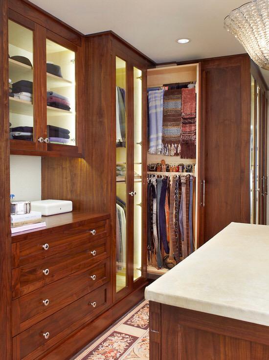 衣帽间中的衣柜装修效果