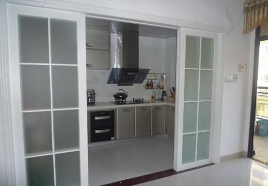 三种风格教您打造不同厨房移门