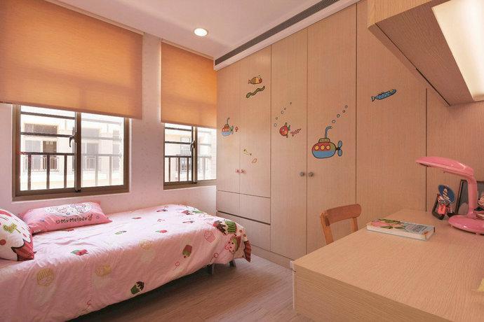 对比色物件点亮粉色公主儿童房设计