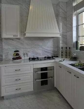 多彩厨房如何搭配?