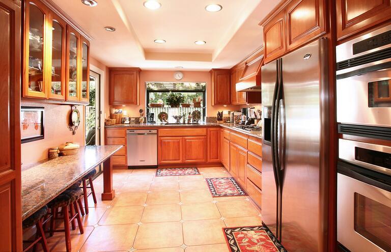 利用厨房卫生间吊顶 提升装修质感