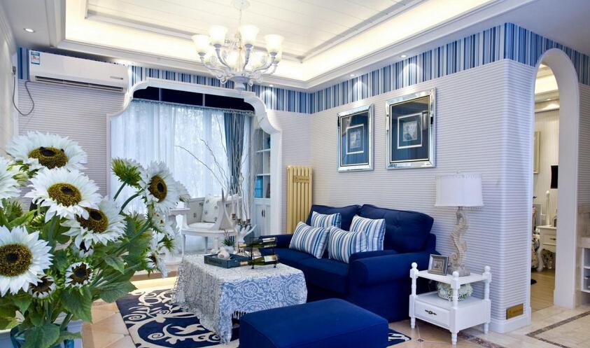 选择华丽水晶灯 提升客厅装修质感