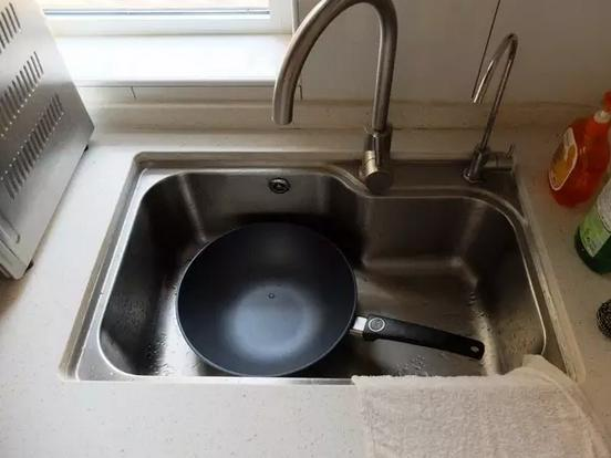 厨房水槽如何设计?一切以主妇体验为主