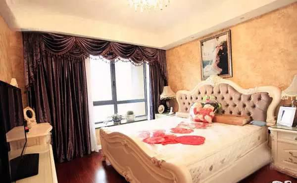 欧式奢华二居室装修效果图