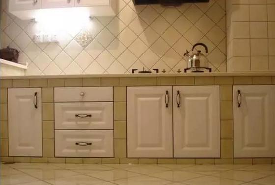 整体厨房颜色及预算费用浅析