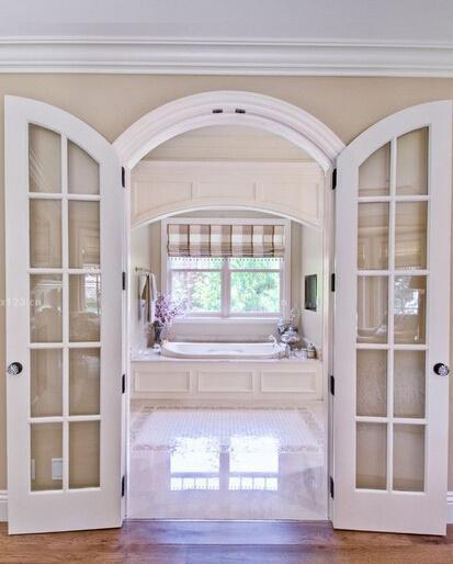 什么样的卧室玻璃门设计更时尚好看