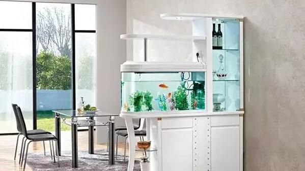 鱼缸在玄关处的摆放位置
