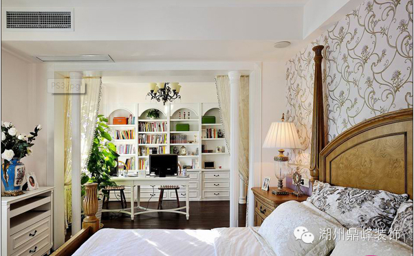 卧室兼书房怎样搭配最佳