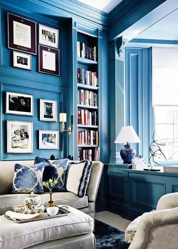 老婆在十平米客厅愣是挤出一个书房!真厉害!