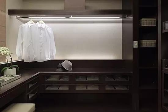 卧室衣帽间装修效果图