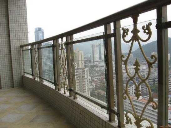 阳台栏杆的施工方法
