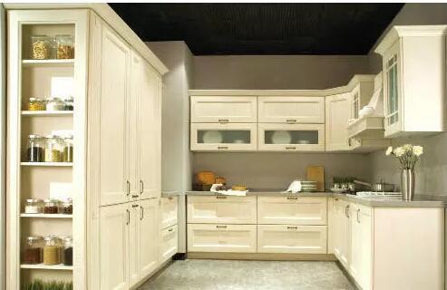 整体厨房整体橱柜的区别在哪里呢?