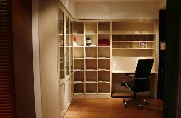 阳台怎么装修成书房