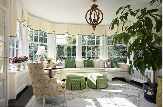 客厅与阳台打通后该怎么装修?