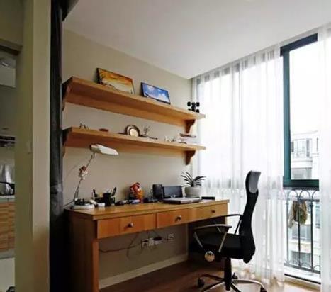 阳台装成书房,衣服晾哪里都不管了吗?
