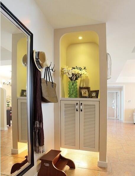 功能强大的入户门正对玄关设计