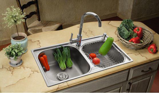 厨房水槽堵了莫着急 这里有办法!