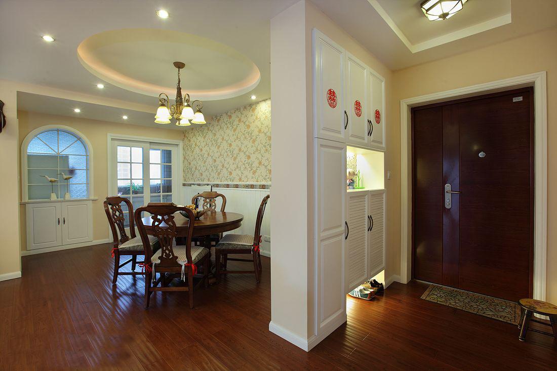 如何打造适合你家的玄关隔断?