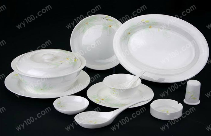 解说陶瓷餐具有毒吗
