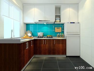L型的橱柜厨房 蓝色调设计让更清爽亮丽 title=