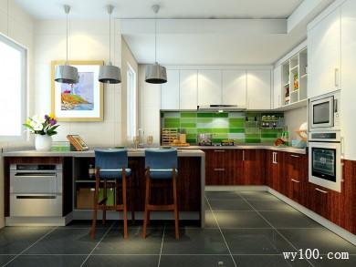 自然风格厨房效果图 9�OU字型的橱柜布局 title=
