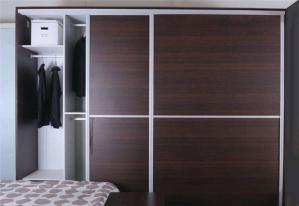 房间滑门衣柜