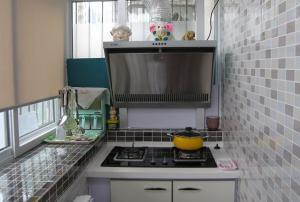 小户型简易阳台改厨房效果图